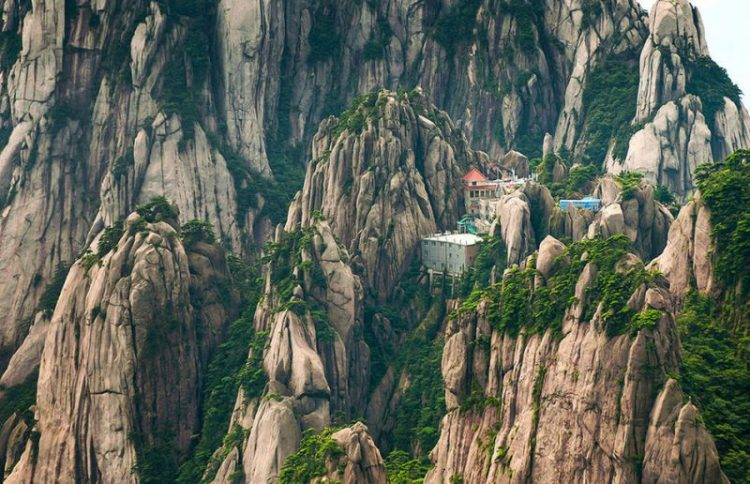 15 потрясающих отелей на самом краю света