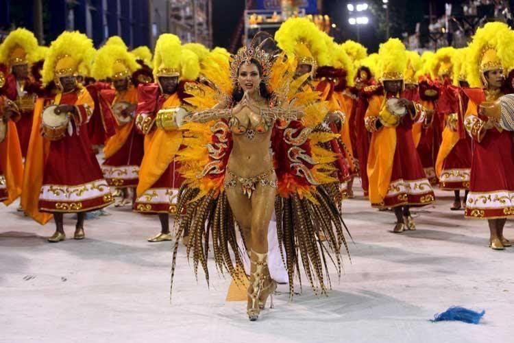 50 самых впечатляющих и ярких фото карнавала в Рио