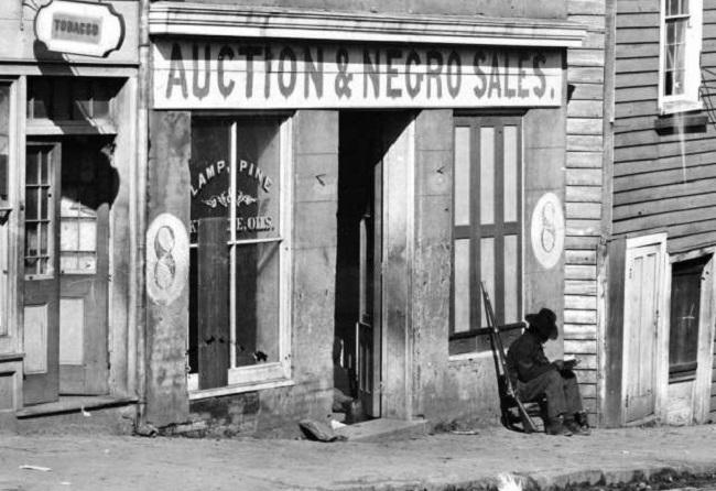 Исторические фотографии, которые позволяют увидеть события прошлого с иной стороны