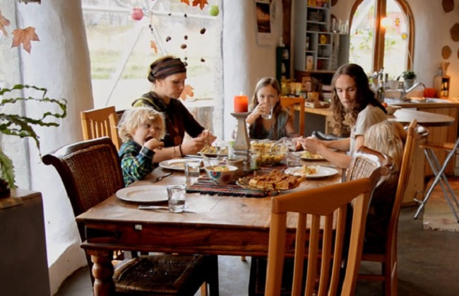 Норвежская семья, которая живет в геокуполе, 20 фото