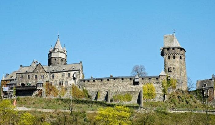 20 самых впечатляющих замков Германии