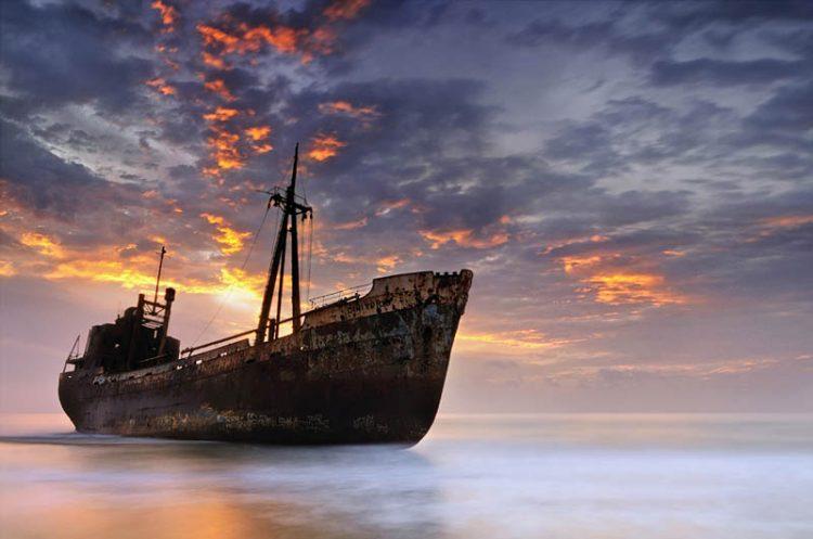 Заброшенные корабли: 20 фото судов, потерпевших крушение